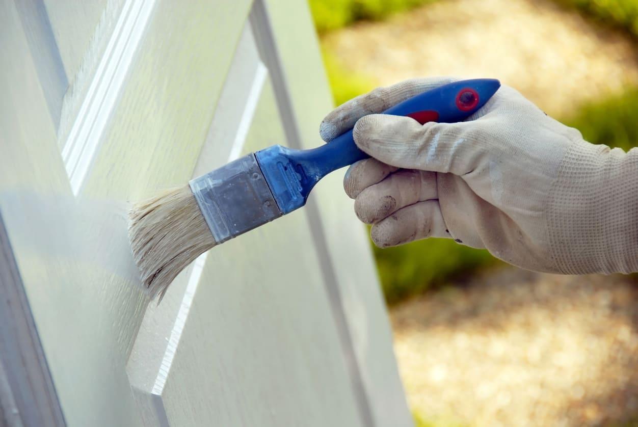 pintar puertas en blanco