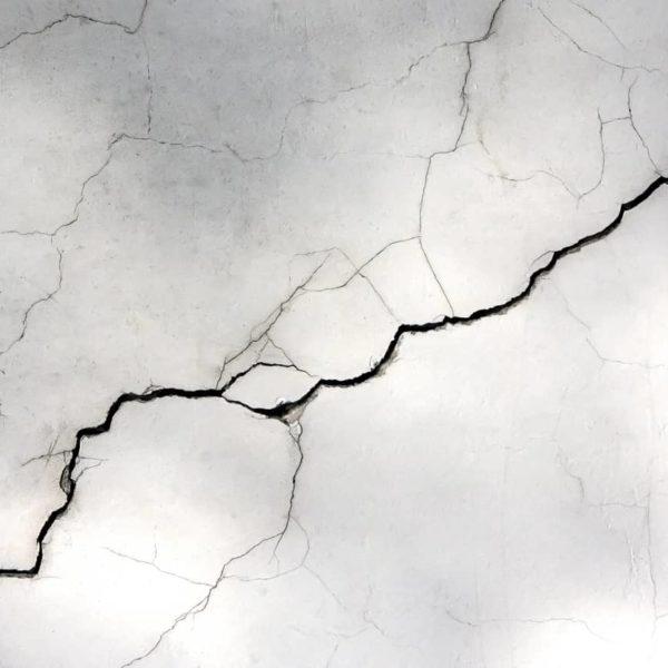 Cómo reparar el techo de escayola en 5 pasos