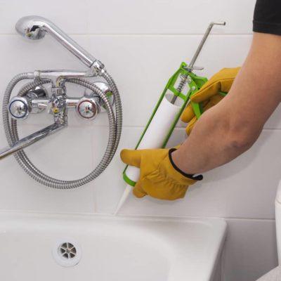 Restaurar una bañera: ¿cómo reparar una bañera oxidada?