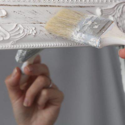 ¿Cómo pintar a la tiza con efecto envejecido?