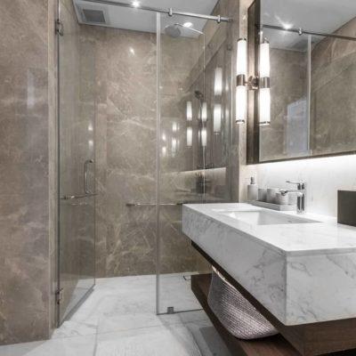 Ventajas de cambiar la bañera por un plato de ducha