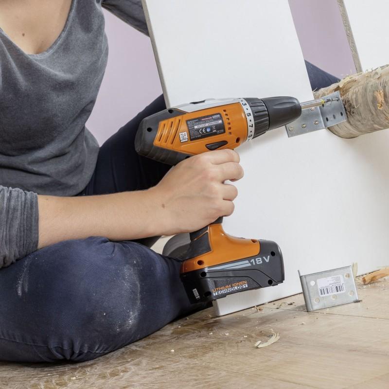 Cómo hacer un guardarropa de madera