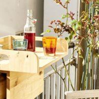 Práctico y útil: barra de bar para la barandilla de tu balcón