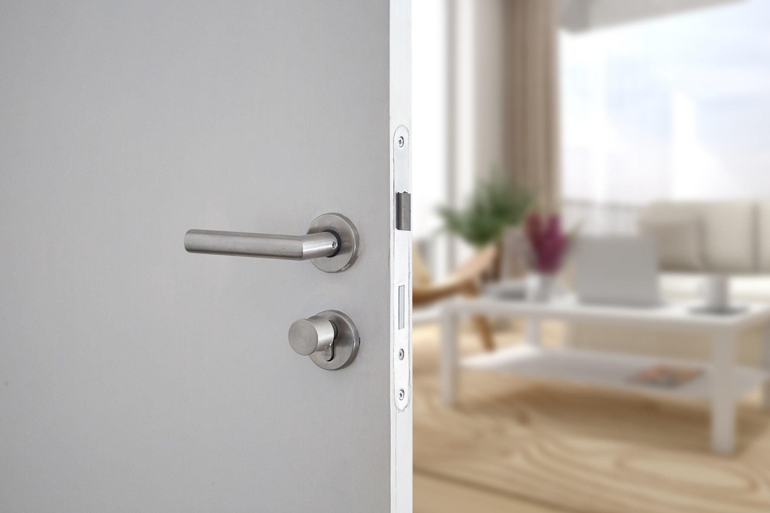 como instalar puertas de interior
