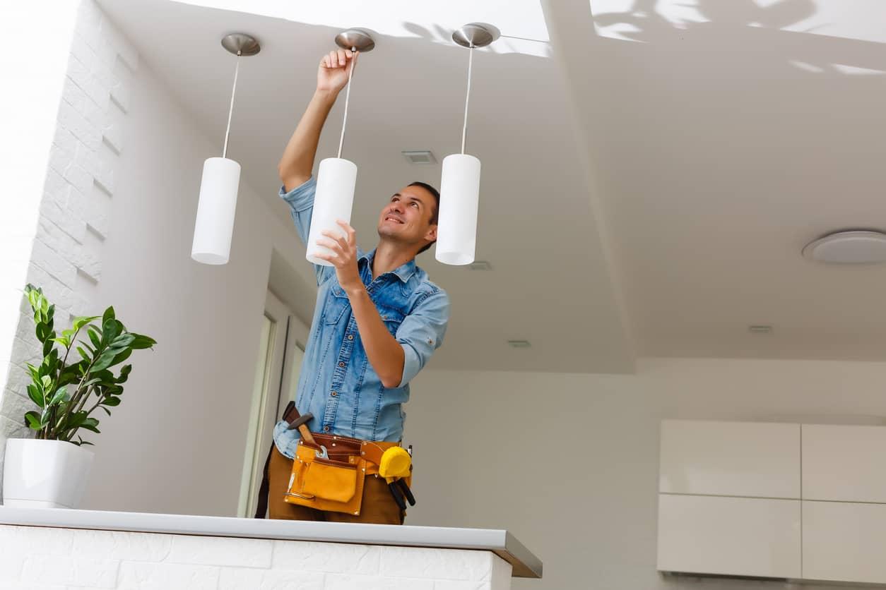 instalar lámpara de techo