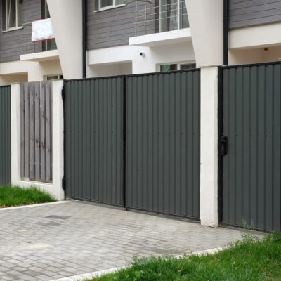 Cómo pintar una puerta galvanizada