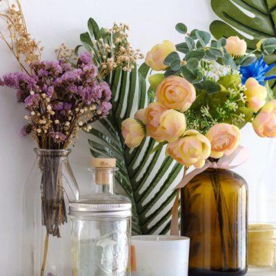 ¿Cómo utilizar la decoración con flores artificiales en casa?